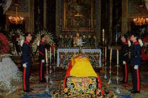 Funerales de la Realeza - Página 2 Condesa_4guardias